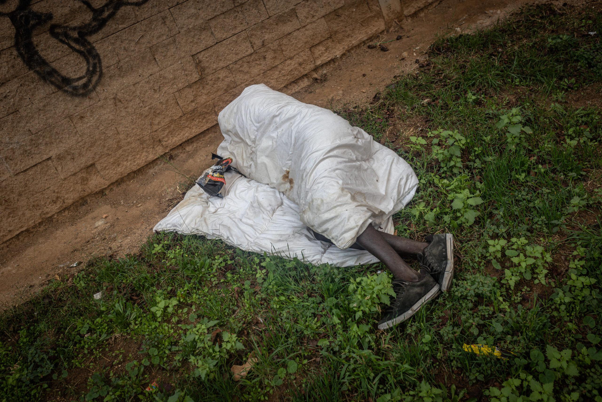 press,photo,photojournalism,photography,covid-19,coronavirus,epidemic,pandemic,crisis,spain,catalonia,migration,poverty